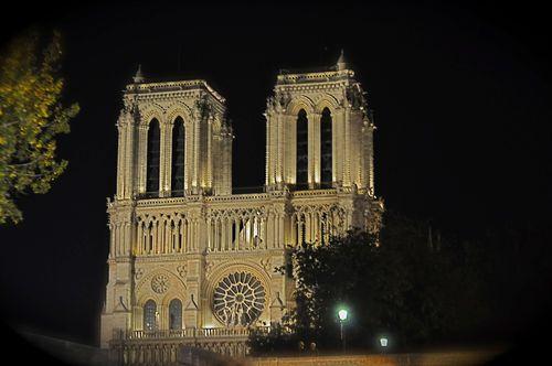 Paris-notre-nite-web