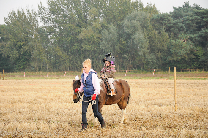 Oct 2012 pony ride web-4