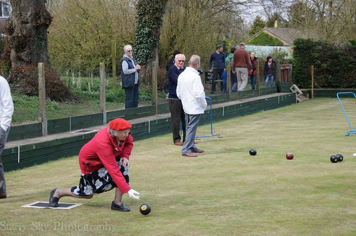Apr 2013 lawn bowling web-3