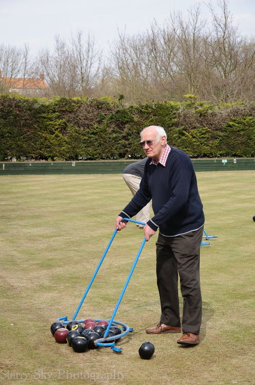 Apr 2013 lawn bowling web-4