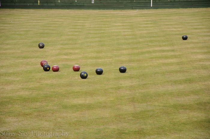 Apr 2013 lawn bowling web-2