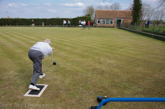 Apr 2013 lawn bowling web-5