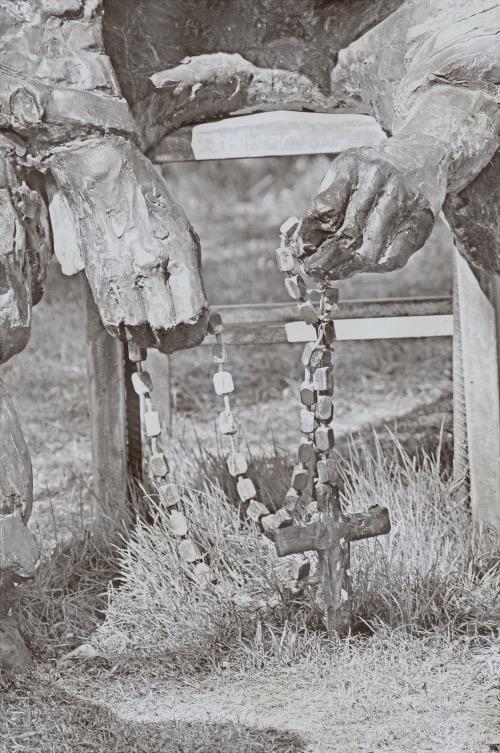 Apr 2011 holland rosary hands heartland